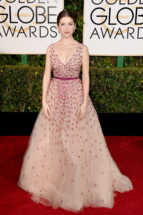 Anna Kendrick in Mhonique Lhuillier