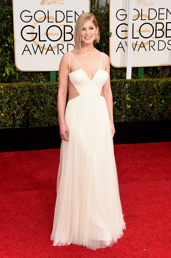 Rosamund Pike in Vera Wang Collection